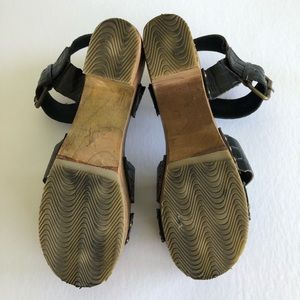 Urban Outfitters Shoes - Ecote platform chunky wooden strap sandal heel